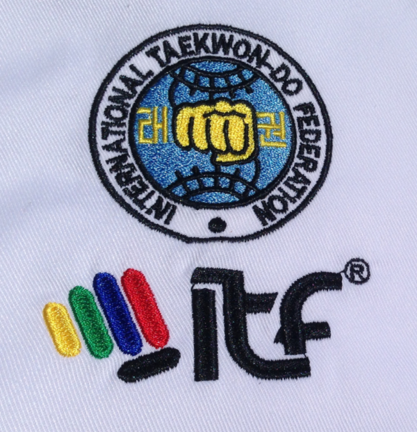Mighty Fist dobok MiDit ITF logo Teakwon-Do pak