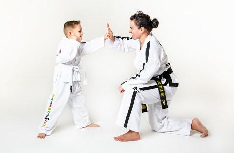 Onze Cool Kids volgen een speciaal ontwikkeld programma waarbij motorische, sociale en Taekwon-Do vaardigheden centraal staan