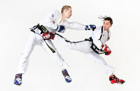 Voor Taekwon-Doka's vanaf zwarte band geven we een meer technsiche en itensievere trainingen.